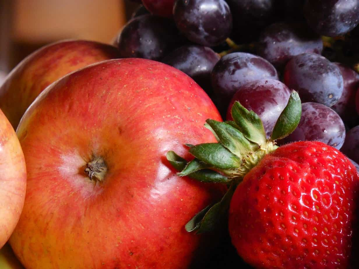 Berries, apples and tea reduce Parkinson's disease risk in men